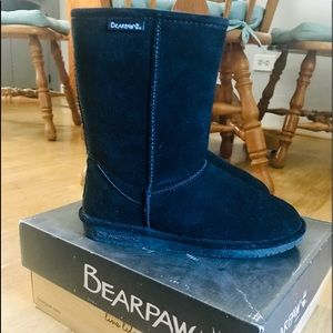 Like new, Bear paw, Emma short black boots size 7
